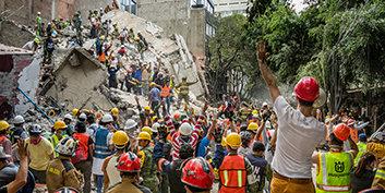 Мехико с облегчением обнаруживает реальную помощь неустанных добровольных священников